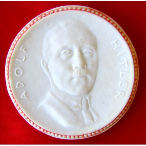 Adolf Hitler Medallion # 5704