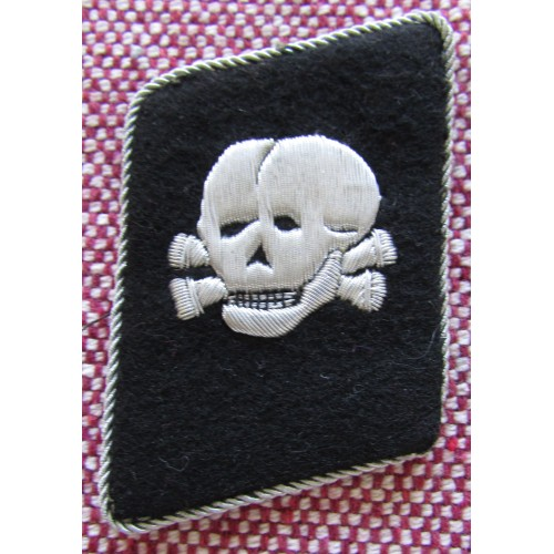 SS Totenkopf Bullion Vertical Collar Tab # 5780