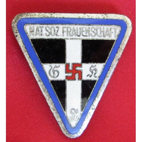 NS Frauenschaft Leader's Badge  # 6087