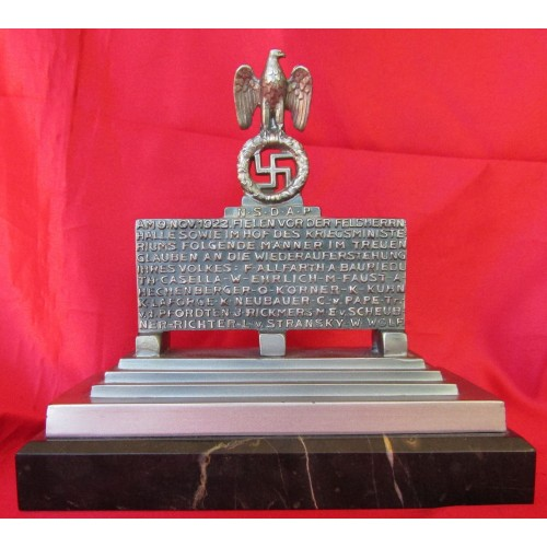 Felderrnhalle Statue- Mahnmal Monument Desk Piece # 6569