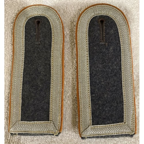 Luftwaffe NCO Signals Shoulder Boards
