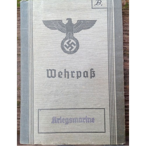 Kriegsmarine Wehrpass # 6665