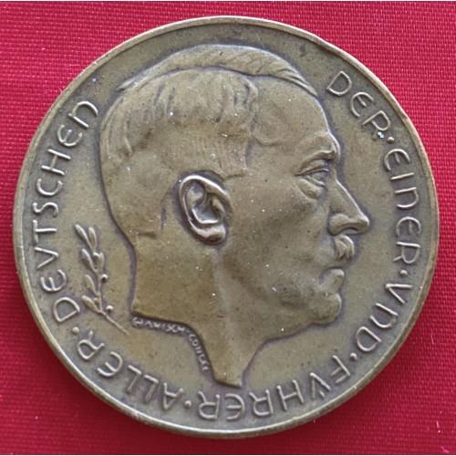 Adolf Hitler Medallion # 6672