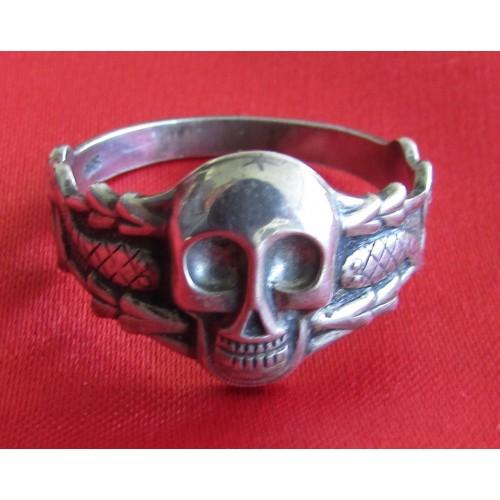 Skull Ring # 5133