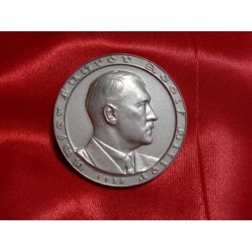 Hitler Medallion  # 1183
