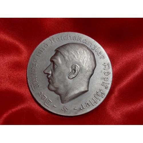 Hitler Medallion  # 1186