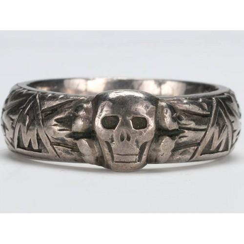 Totenkopf Ring  # 2225