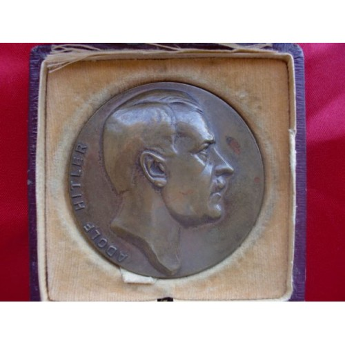 Adolf Hitler Medallion # 2246