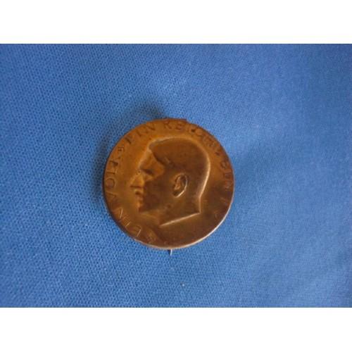 Hitler Pin # 3058