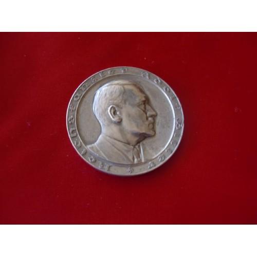 Hitler Medallion   # 3250