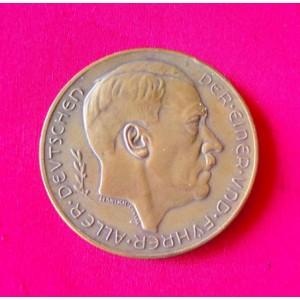 Hitler Medallion # 3334