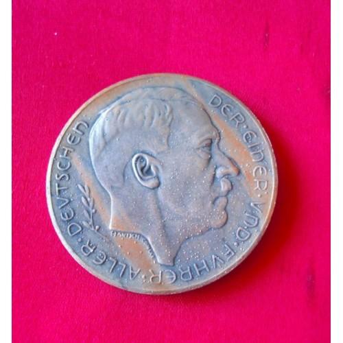 Hitler Medallion   # 3335