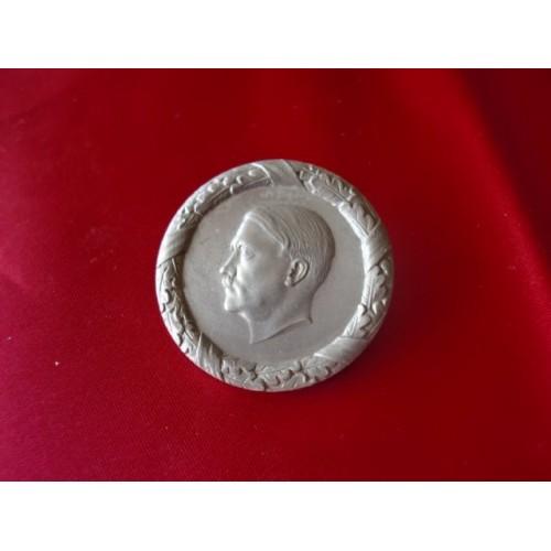 Hitler WHW Pin    # 3358