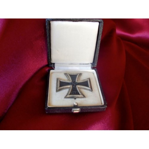 Iron Cross 1st Class, 1939 Cased   # 3378
