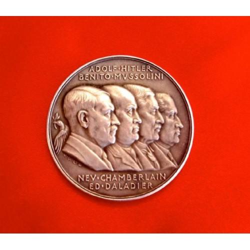 Goetz Medallion # 3713