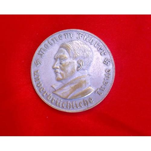 Hitler Medallion # 3720
