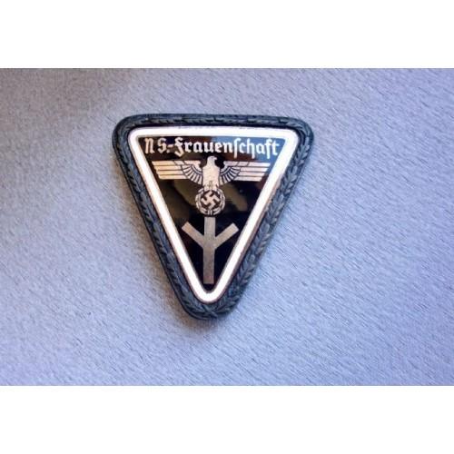 Frauenschaft Leader Enamel Badge # 3848