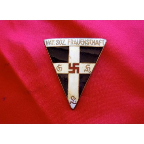 NS Frauenschaft Badge  # 3854