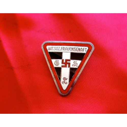 NS Frauenschaft Badge   # 3856