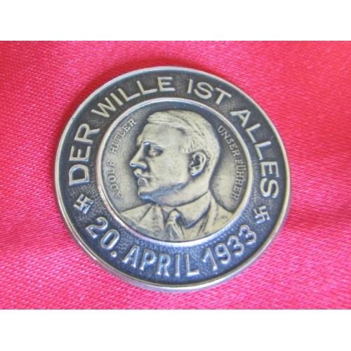 Hitler Pin   # 3999