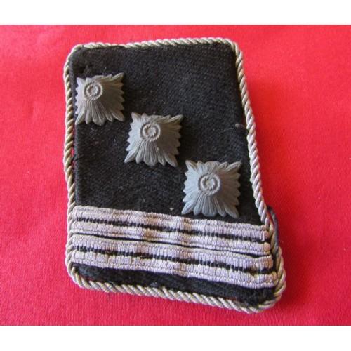 SS Sturmscharfuhrer Collar Tab # 4111