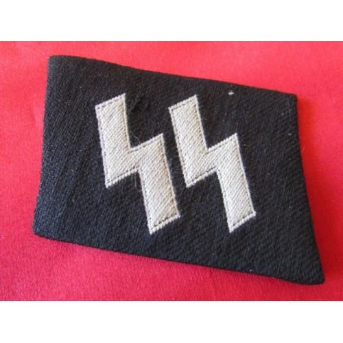 SS EM/NCOs BeVo Runic Collar Tab # 4112