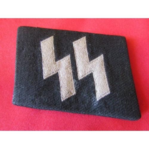 SS EM/NCOs BeVo Runic Collar Tab  # 4118