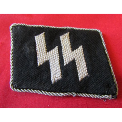SS EM/NCOs Runic Collar Tab   # 4119