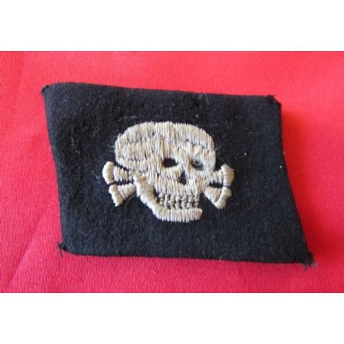 SS EM/NCOs Totenkopf Collar Tab  # 4121