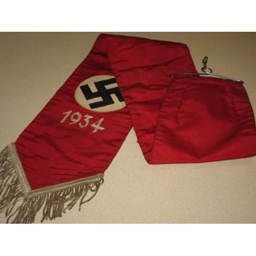 D.E. 1934 Streamer # 422