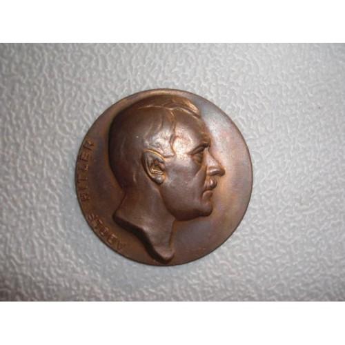 Hitler Medallion # 751